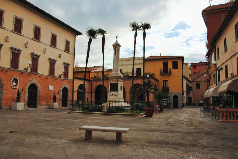 piazza-del-plebiscito-orbetello